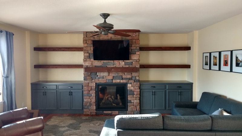 "<img src=""fireplace.png"" alt=""fireplace with built-ins"">"
